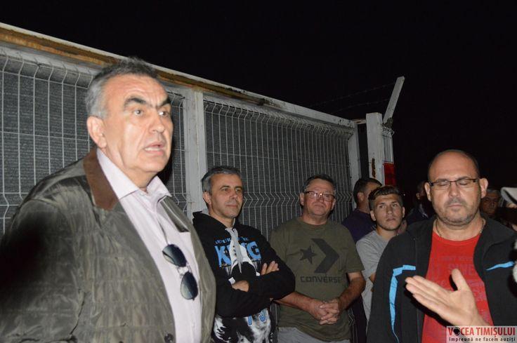 Peste 100 de oameni au protestat ieri la marginea Timișoarei, în Chișoda, acolo unde o fabrică de reciclare a cauciucurilor emană, noapte de noapte, un miros foarte greu de suportat de către cetățeni. Deși dețin aprobare de la Garda de Mediu, reprezentanții fabricii sunt bănuiți că, î…