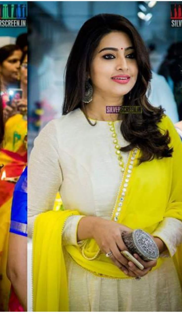 Jyothika traditional sari at shobi wedding saree blouse patterns - In Pictures Actress Sneha At The Launch Of Swans Ind Shoe Line Silverscreen
