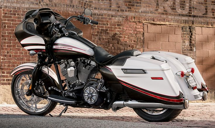 2015 Harley-Davidson® Touring Road Glide® Special Motorcycles Photos & Videos