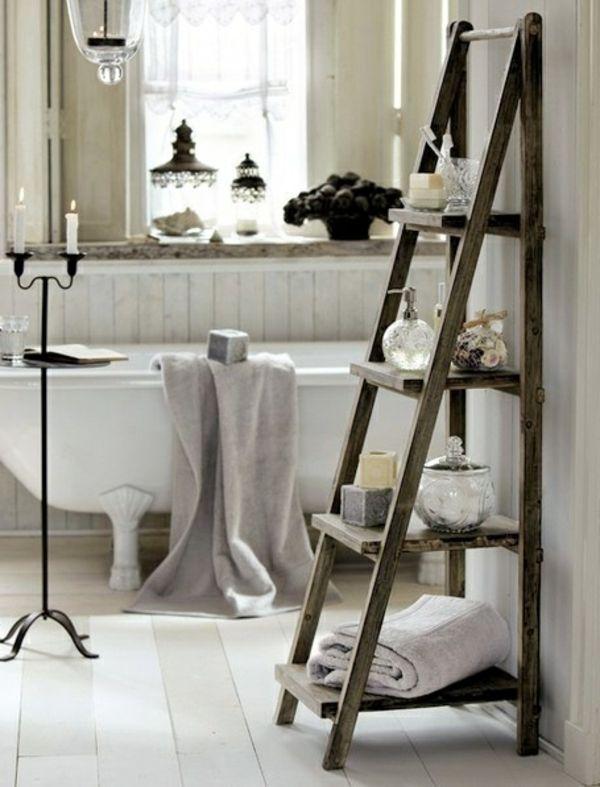 Badezimmer Design wanne regale leiter