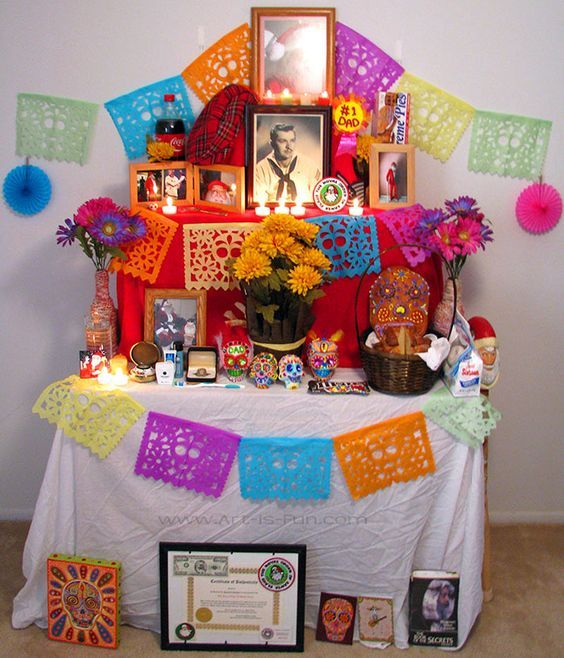 Day of the Dead Altar and sugar skull coloring pages Fall Halloween, Halloween Crafts, Halloween Decorations, Halloween Party, Mexican Halloween, Halloween Ideas, Halloween Costumes, Day Of The Dead Diy, Day Of The Dead Party