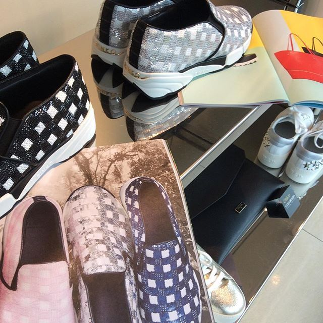 Le sneakers irresistibili della stagione #SS16 #pinkoshinebabyshine #PINKO #sneakers #shoes #glam #glamour #glamorous #shoes #iloveshoes #ilovesneakers #iloveshopping #shoppingonline #shopping #shoppingitaly #italianstyle #spedizionegratuita #freeshipping #girl #cute #beauty #milano @pinkoofficial @pinkobg