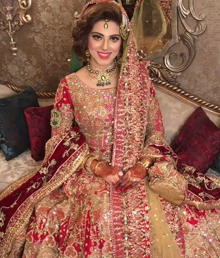 """8 Likes, 1 Comments - @pakistanifashionistaaa on Instagram: """"Simply beautiful and Elegant #instaglam #perfectionists"""""""