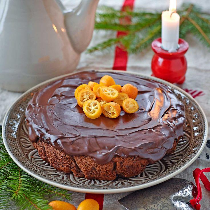 En spännande och god kaka utan mjöl och med bara lite socker.