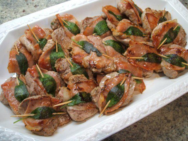 Das perfekte Fleisch: Schweinelende a´la Saltimbocca-Rezept mit einfacher Schritt-für-Schritt-Anleitung: Die Lende von Fett und Sehnen befreien und in ca…