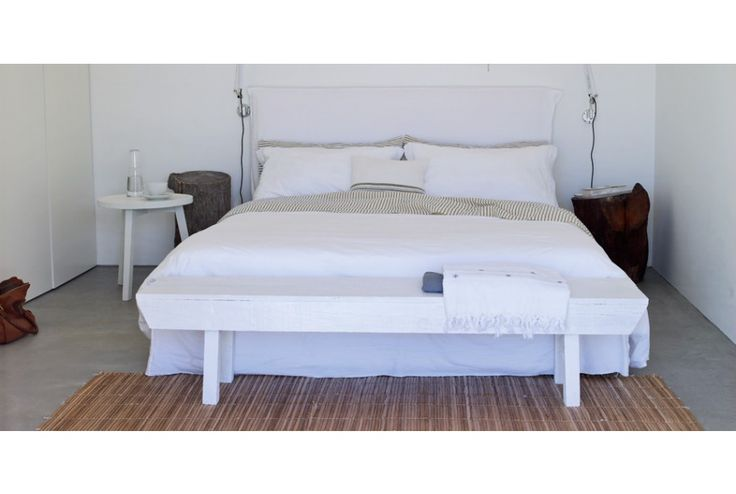 LINEA - Queen/King Bed. To purchase these items contact RADform at +1 (416) 955-8282 or info@radform.com    #modernfurniture #contemporarydesign #interiordesign #modern #furnituredesign #radform #architecture #luxury #homedecor #whitedecor #white  #cottage #hamptons #beachhouse