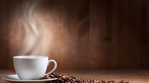 Обои стол, кофе, чашка, зерна на рабочий стол - картинки с раздела Креатив