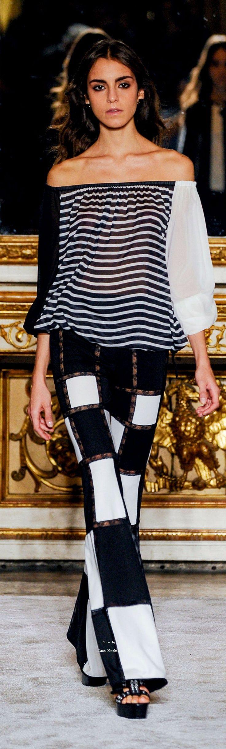 #Farbbberatung #Stilberatung #Farbenreich mit www.farben-reich.com Black and White spring wear