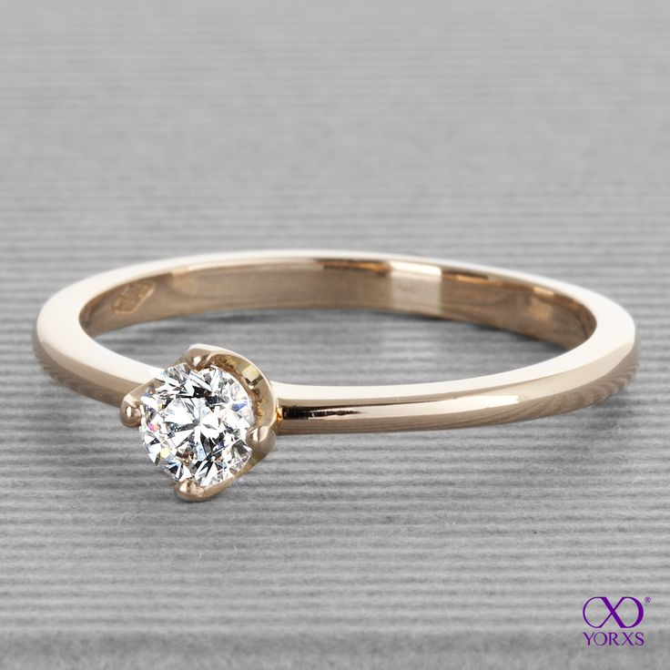 """Luna"" in rosegold with a 0.27 ct brilliant. #luna #diamantring #verlobungsring #solitärring #yorxs"