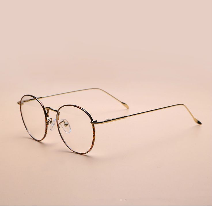 芸能人風 小顔効果クラシック風レトロ金属メタル眼鏡伊達メガネ。