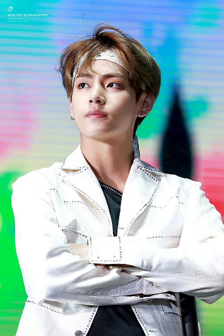 How can he be so beautiful? #V #BTS