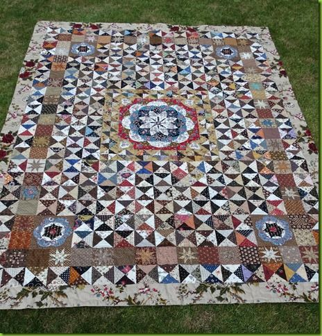"""the quilt called Les Soeurs.  by Judith Ebbelaar of her """"nagging"""" -quilt."""