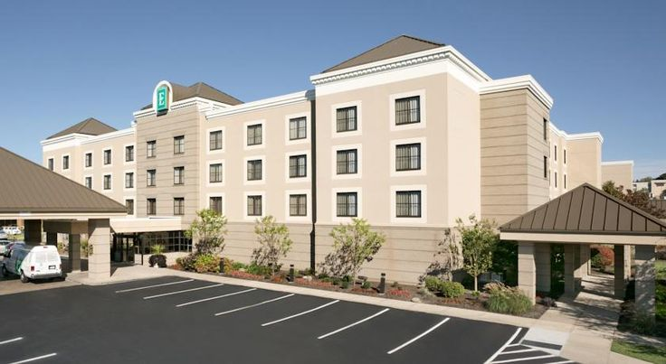 Embassy Suites Cleveland - Beachwood Beachwood Directly off Interstate 271, a short drive from Cleveland city centre, this Ohio hotel features spacious all-suite accommodations furnished with many modern conveniences, including microwaves and refrigerators.