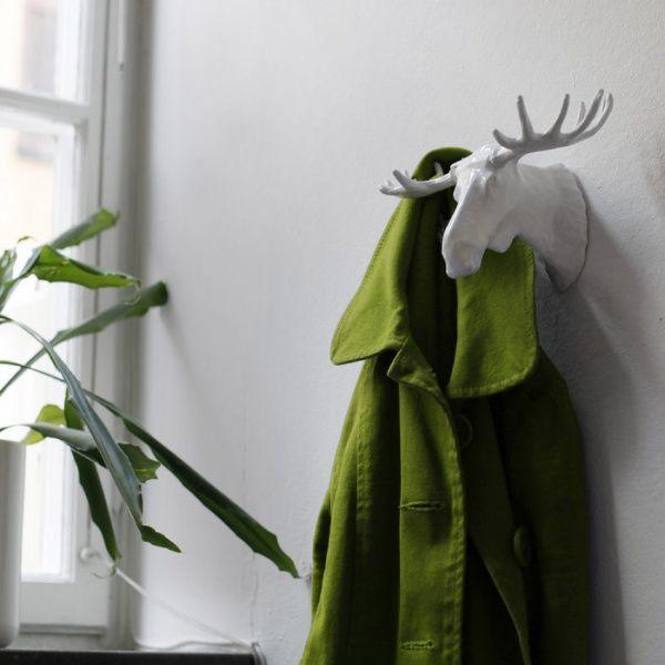 Самые странные рекорды мира от @razverni   Самый длинный в мире шарф связала Хельга Йохансен из Осло. Длина шарфа-4556 м 46 см. Вешалка - Лось (Moose Hook) https://razverni.com/~HSRSc