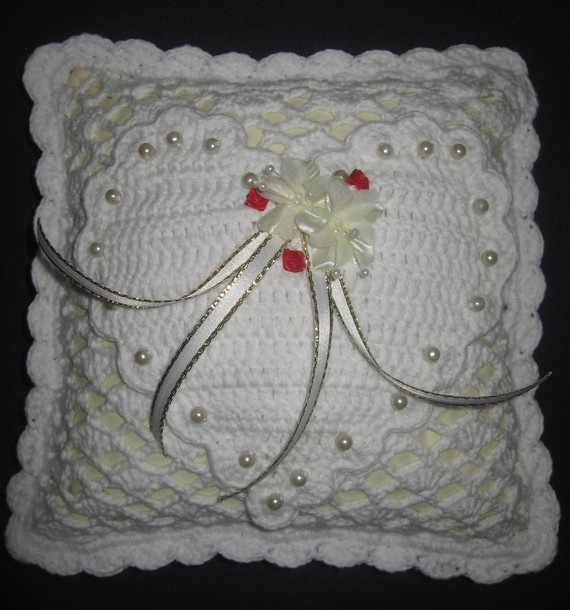 Crochet Lace Wedding Garter Pattern: 70 Best Images About Crochet Wedding On Pinterest