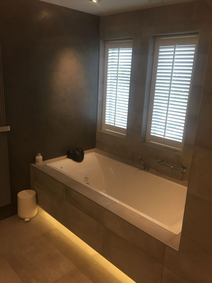 36 best images about gerealiseerde badkamers on pinterest 50 toilets and freedom - Winkelruimte met een badkamer ...
