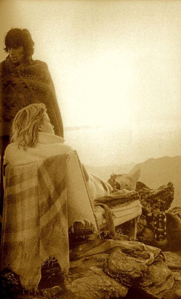 ~Keith Richards & Anita Pallenberg at Joshua Tree, CA ~*