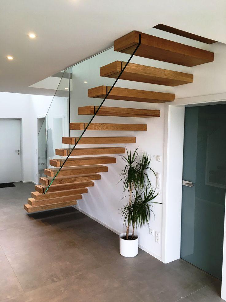 Escadas suspensas Saulheim Escadas suspensas retas usadas na parede de Ytong de 240 mm. Stu …   – Kragarmtreppen  – schwebende Treppen