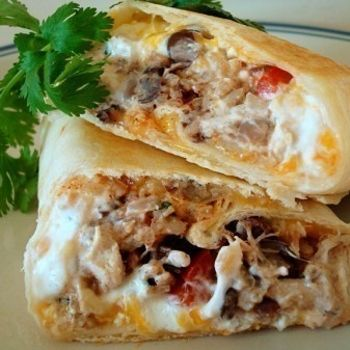 crispy southwest chicken wraps...these just look warm and gooey and delicious!