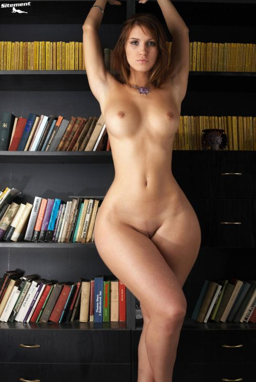 Women With Wide Hips Naked Pics - Naked Photo-1307
