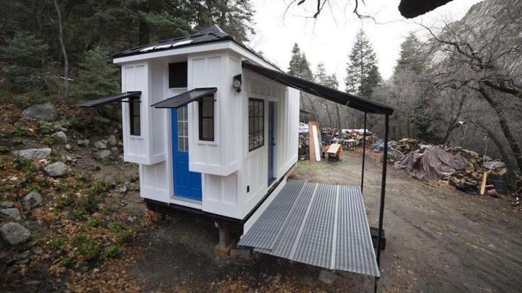 Niezwykły mały domek. Zaskoczy Was, jak jest urządzony