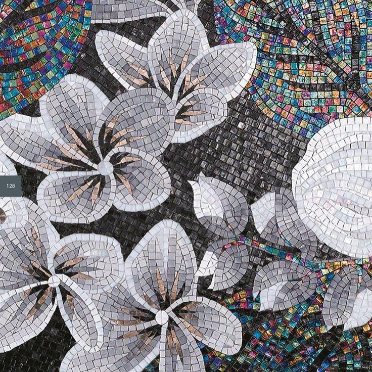 flower power ベネツィアンモザイクならではの美しい表情が見えます。 #モザイクタイル#モザイク #タイル #toyokitchenstyle #トーヨーキッチン #イタリア #ヴェネツィア#ウォールデコレーション #フロアタイル#建材 #ウォールアート