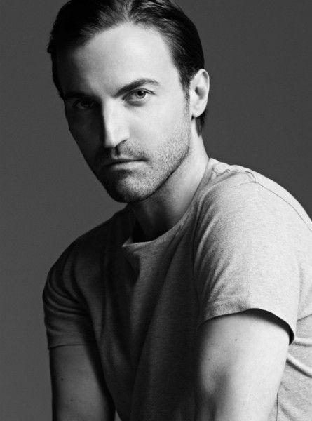 Nicolas Ghesquière deja Balenciaga para sustituir a Marc Jacobs como director creativo de Louis Vuitton