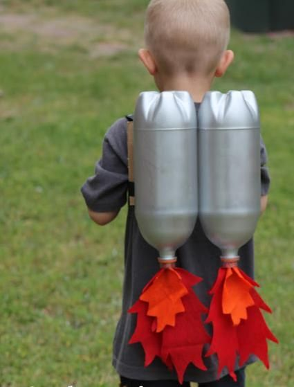 Transformar para entretener. Cohete con botellas de plástico.