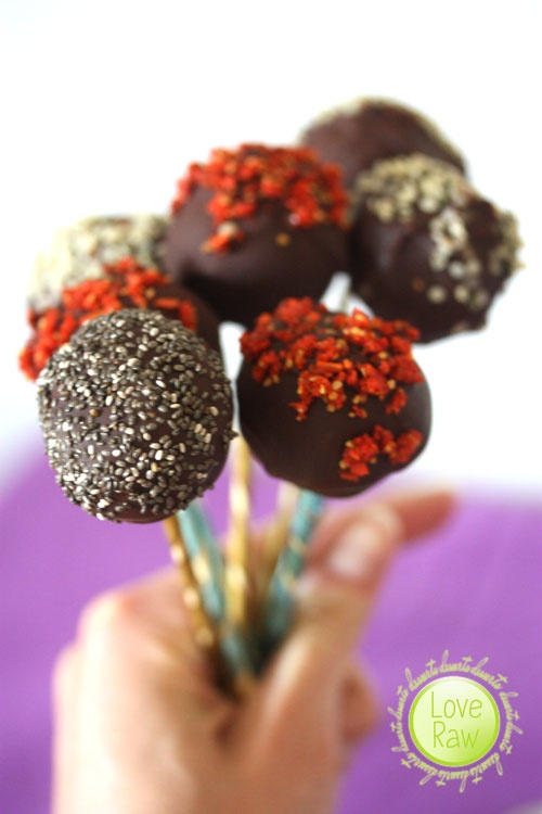 Love Raw: Cheesecake Pops!