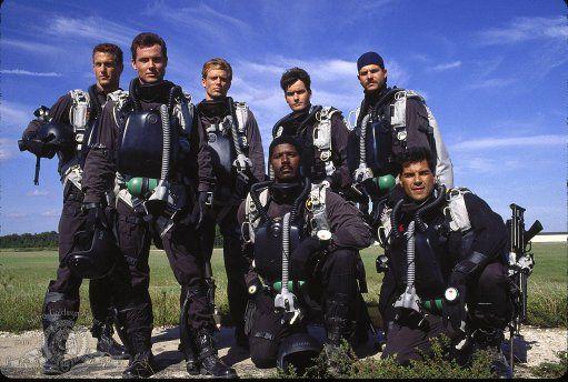 Bill Paxton, Charlie Sheen, Michael Biehn, Rick Rossovich, Dennis Haysbert, Paul Sanchez, and Cyril O'Reilly in Navy Seals (1990)