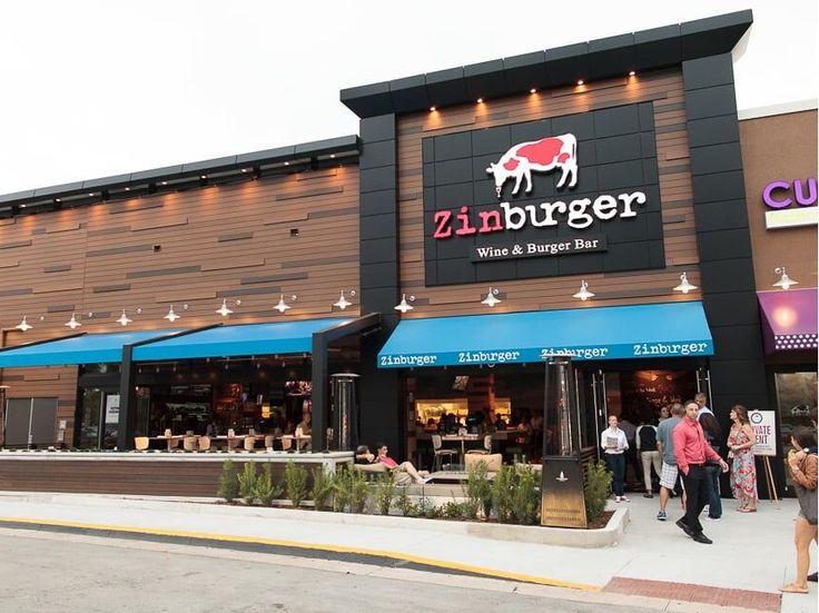 """O hamburger tradicional americano foi """"gourmetizado"""" até nos EUA. Experimente, é uma delícia! Leia o post para conhecer o Zinburger."""