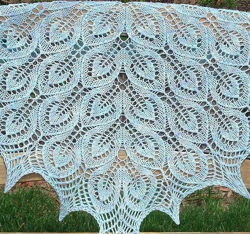 Knitting Lace Nightsong (Ravelry: http://www.ravelry.com/patterns/library/gail-aka-nightsongs) Free pattern - Stricken Spitzenschal - kostenloses Muster