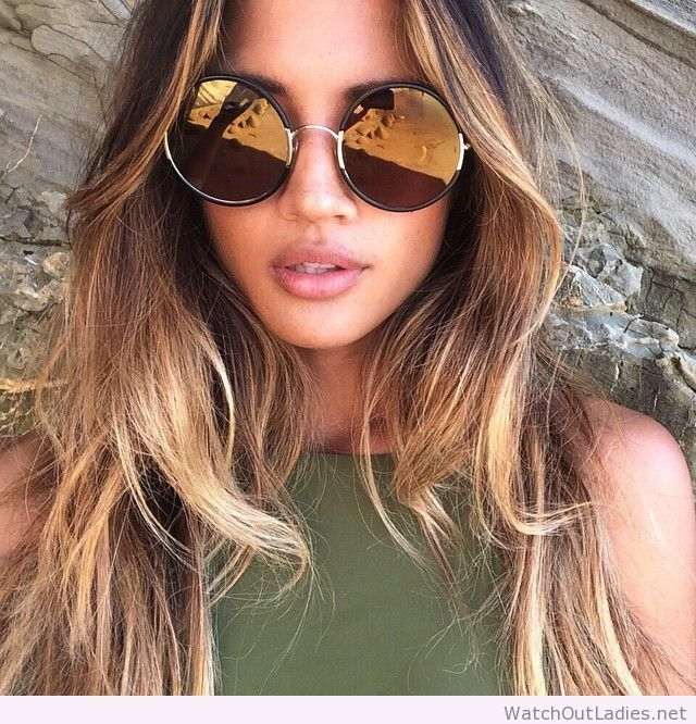 Ombre hair and big sunglasses