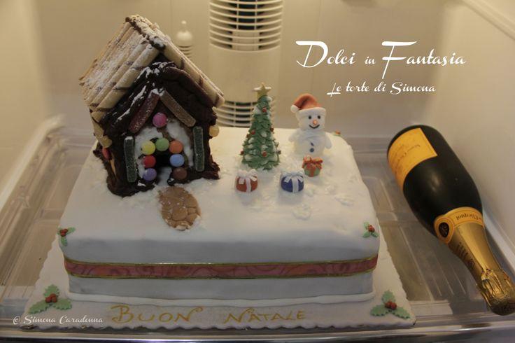 Christmas cake - gingerbread house :-)   #christmas #cake #gingerbread #natale www.facebook.com/dolciinfantasia