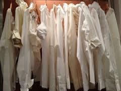 en su compañia vendió ropa de lino muy bien cortadas y acabadas
