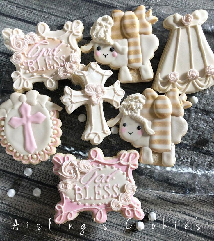 "124 Likes, 6 Comments - Aisling O'Sullivan (@aislingscookies) on Instagram: ""For a sweet baby girl's baptism day! I ordered a bunch of new plaque cutters while on vacation and…"""