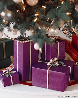 emballage 3: Purple Christmas, Cute Ideas, Holidays Gifts, Gifts Wraps, Christmas Mornings, Gifts Tags, Wraps Gifts, Wraps Paper, Wraps Ideas