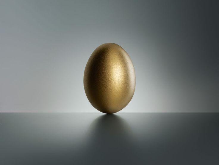 Golden Egg by Fulvio Bonavia #egg #gold #stilllife #photography