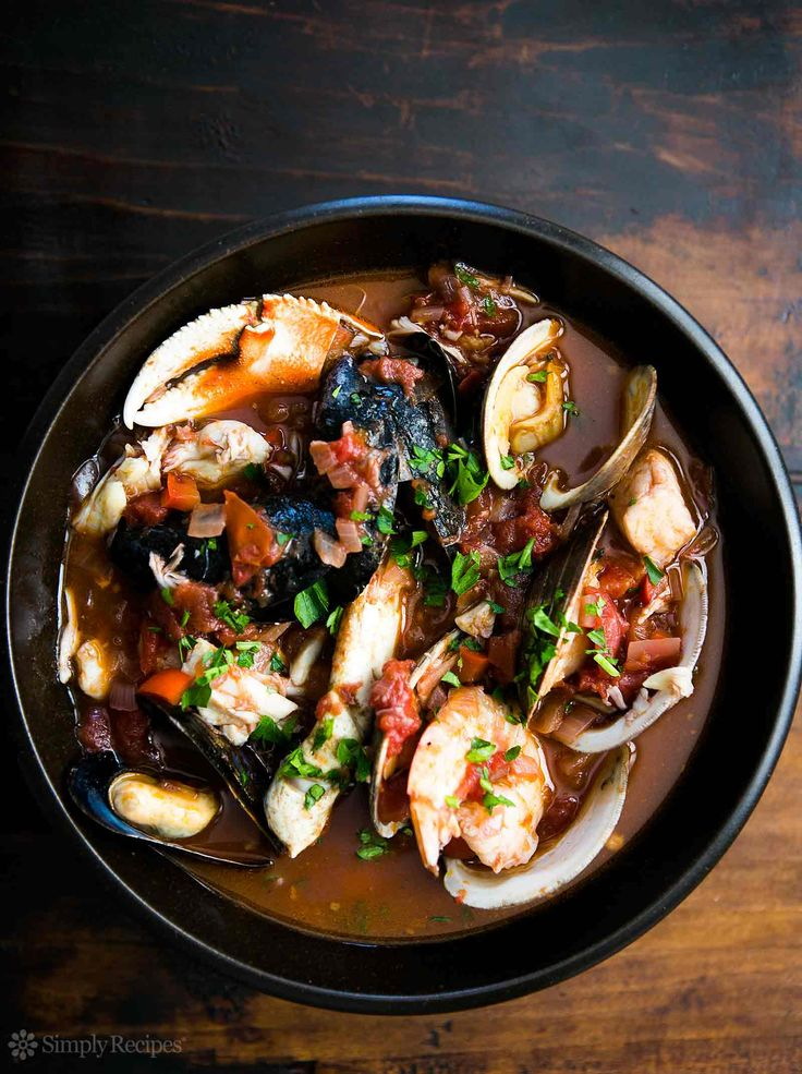 Best seafood stew EVER! San Francisco-style cioppino with halibut, sea ...