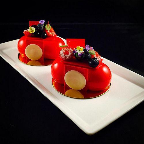 White chocolate Berries Petit Gateaux #bachourclass #bachour1234…
