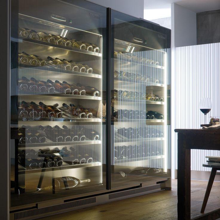 Vina, das Möbel zur Aufbewahrung von Wein, wurde für die Einlagerung bei einer optimalen Temperatur entworfen, für den Trinkgenuss zu Hause oder im..