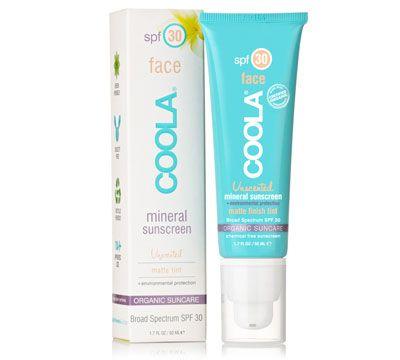 Coola Mineral Face spf 30. Superlækker, let og mat solbeskyttelse til ansigt. Har en ganske let toning. Bredspektret UVA/UVB beskyttelse.