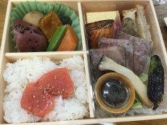 しらに田のお弁当です 有名店のお味をお弁当で堪能できて良いですね 明太子のってて tags[福岡県]