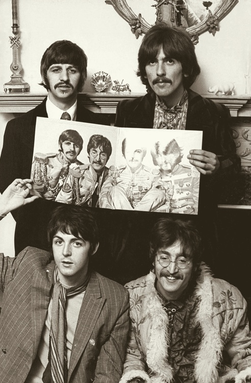 Beatles: Richard Starkey, George Harrison, Paul McCartney, and John Lennon (Sgt…