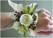 BR-12. White roses