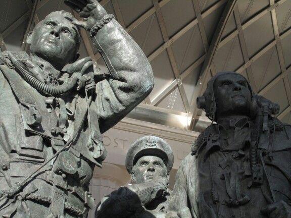 london green park new bronze memorial to WWII lost aviators