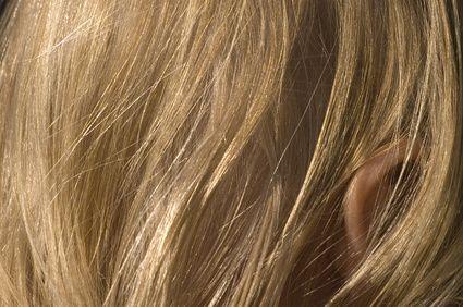 Los mejores productos para peinar cabello fino, crespo y ondulado | eHow en Español
