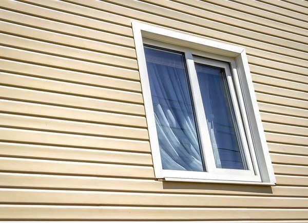 These Classic Vinyl Siding Colors Deliver Curb Appeal For Years In 2020 Vinyl Siding Colors Vinyl Siding Installation Siding Colors