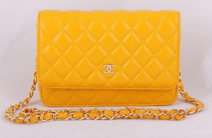 Сумка Chanel mini WOC желтая с золотой фурнитурой