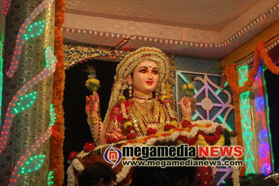 idol procession